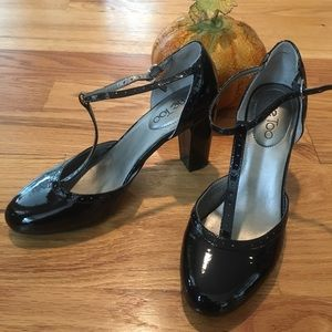 Like new 4 inch heel patent leather